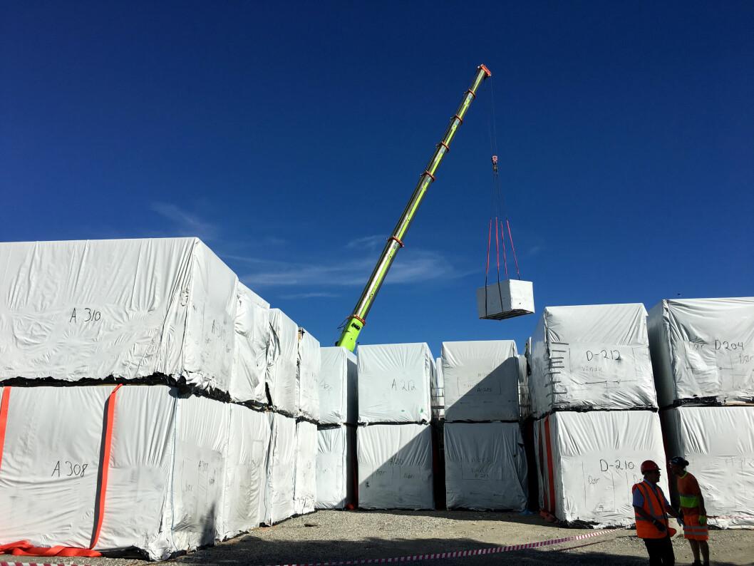 Innpakkede byggmoduler som skal bli til et fengsel. Foreningen Industrielt trebyggeri har tro på at vi vil få mer av denne typen bygg. (Statsbygg)