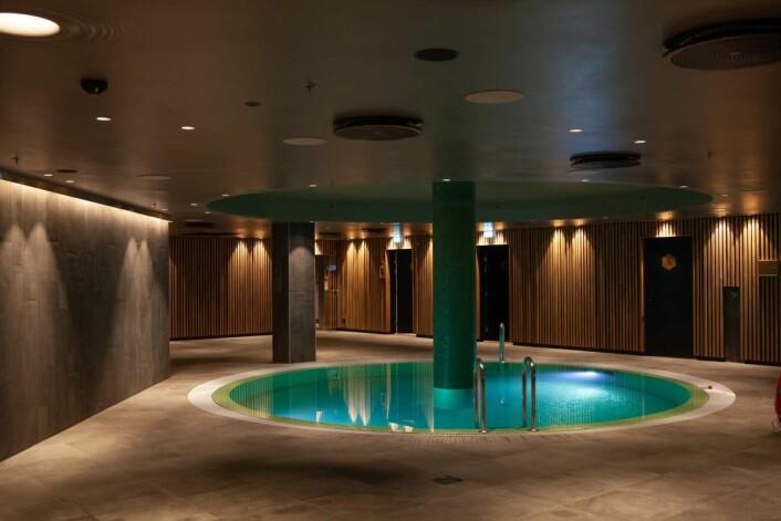 The Hub Spa har fått veggene sine preget av Trysil Interiørtre sine eikespiler. (Foto: Clarion Hotel The Hub)