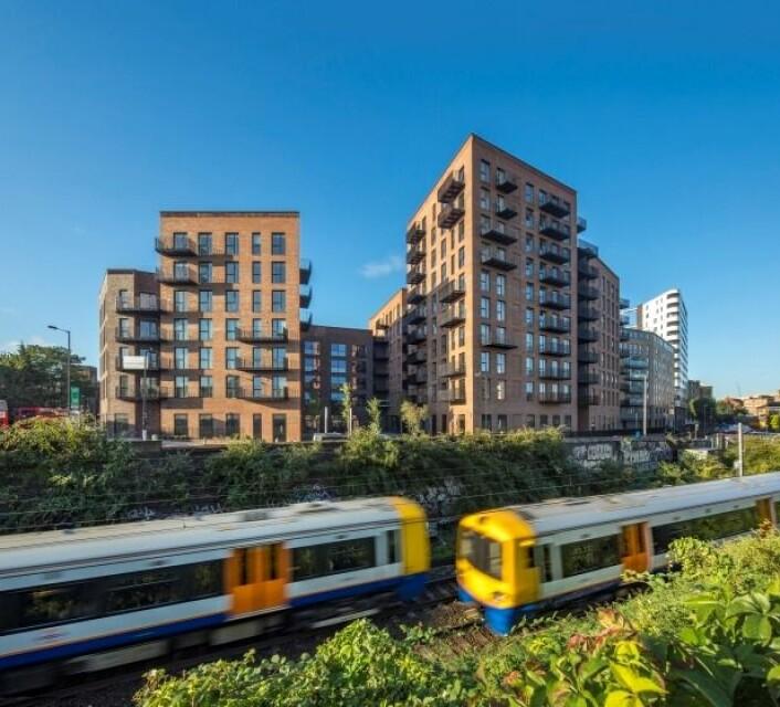 10 etasjes bygg i tre, Dalston Works, London, UK. (Foto: Waugh Thistleton Architects Ltd.)