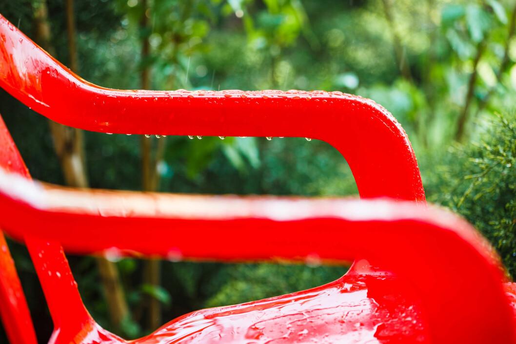 Målet med forskningsprosjektene er å erstatte plast, for eksempel i møbler, med biokompositt av trefiber. (Illustrasjonsfoto: colourbox.com)