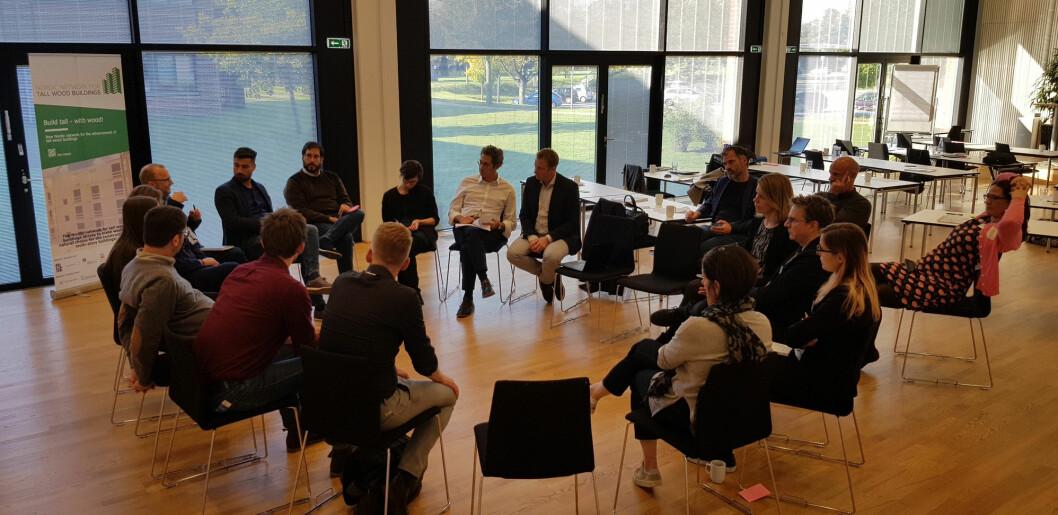 Bilde fra oppstartsmøtet til Build in Wood. (Foto: Foto: Kristine Nore / Treteknisk)