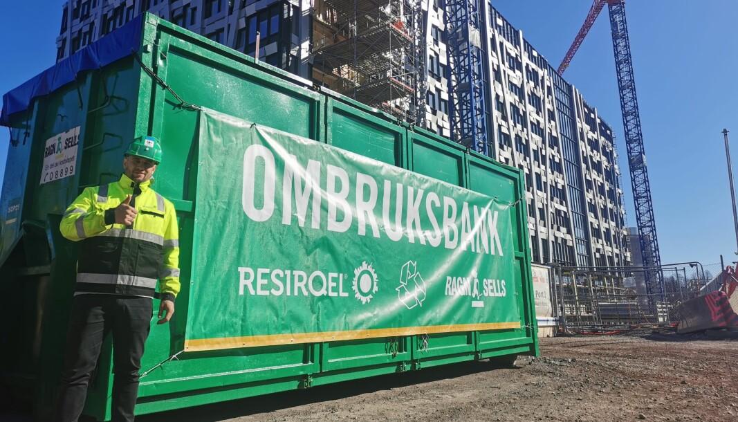 Resirqel og Ragn-Sells skal samarbeide for økt ombruk av byggematerialer. Gründer og partner i Resiqel AS, Martin Eid, ser frem til å komme i gang med samarbeidet.