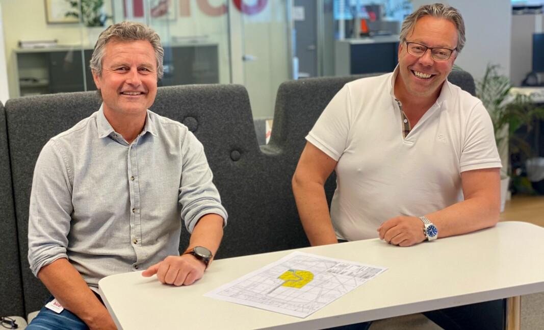 Kjell Nevland (t.v.) fra Bico og Gunnar-Adolf Aanesland fra Aaneslands Limtre vil danne et sterkt faglig miljø innen massivtreproduksjon.