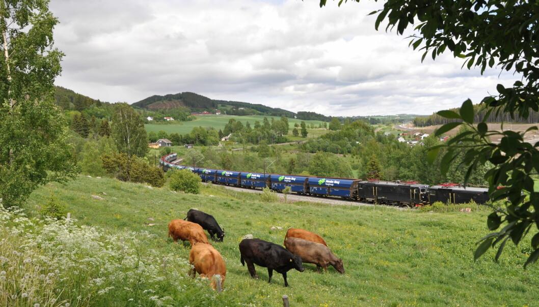 Nye vogner med elektriske lokomotiver erstatter vogntogene.