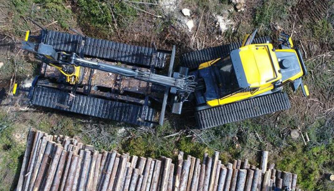 Mer skånsomt jordbruk: Utprøving av beltegående skogsmaskin for en annen vektfordeling enn hjulgående maskiner, og dermed mindre slitasje og markavtrykk.