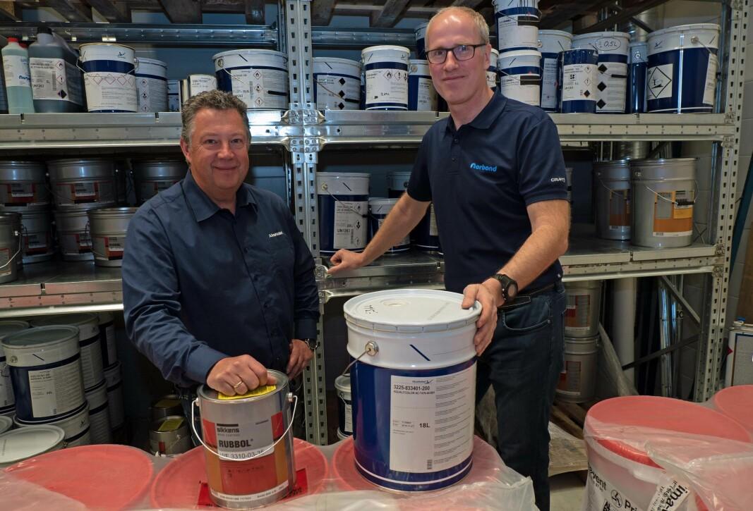 Hans Normann Lunner (til venstre) satser på Rune Edvardsen i Norbond og de andre partnerne i Tintex-nettverket for å nå både små og store kunder.