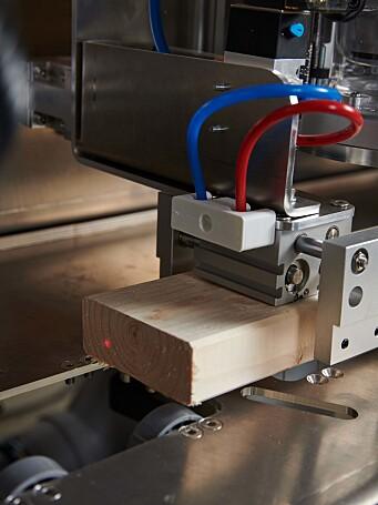 Produksjonslinjen får plass i en container. Det betyr at modulene kan produseres lokalt.