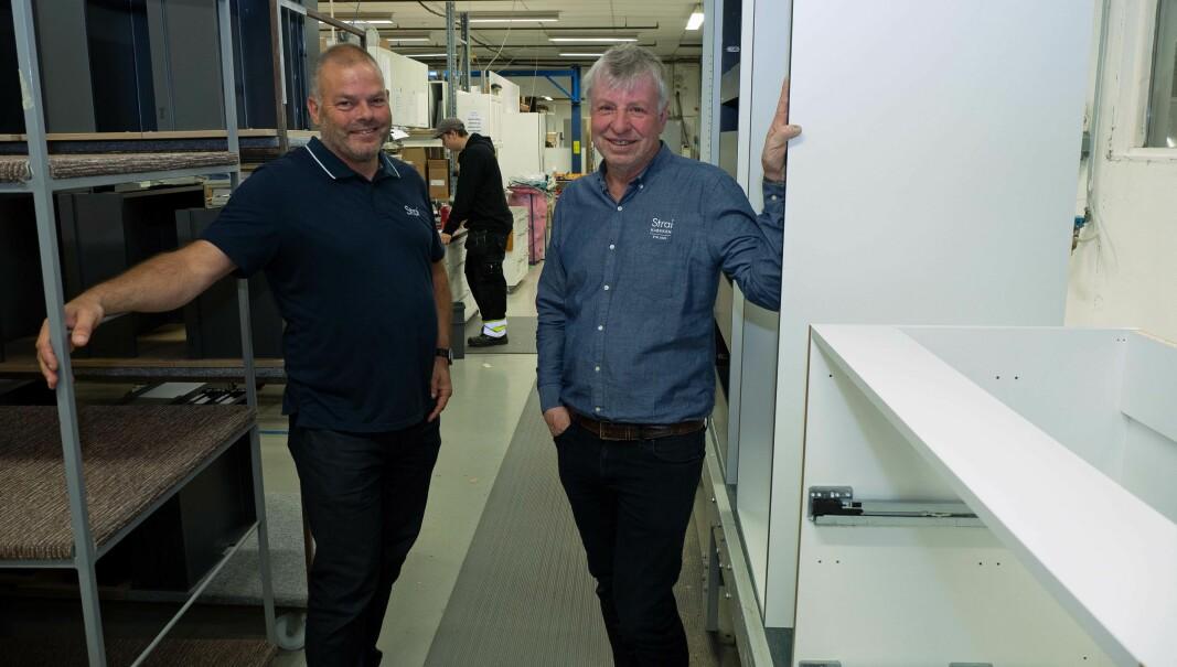 Kjøkken på samlebånd – Bengt Amundsen (til venstre), Kåre Tobiassen og kollegene på Strai Kjøkken produserer på bestilling.