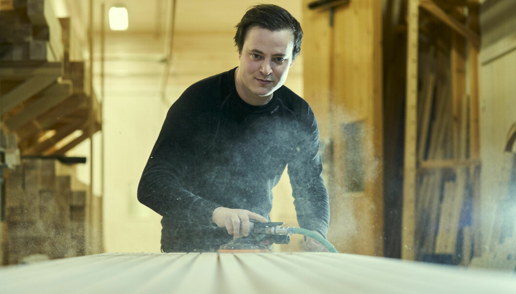 Eirik Brun-Svendsen i Arkitre på Verdal lager spileplater for harde livet.