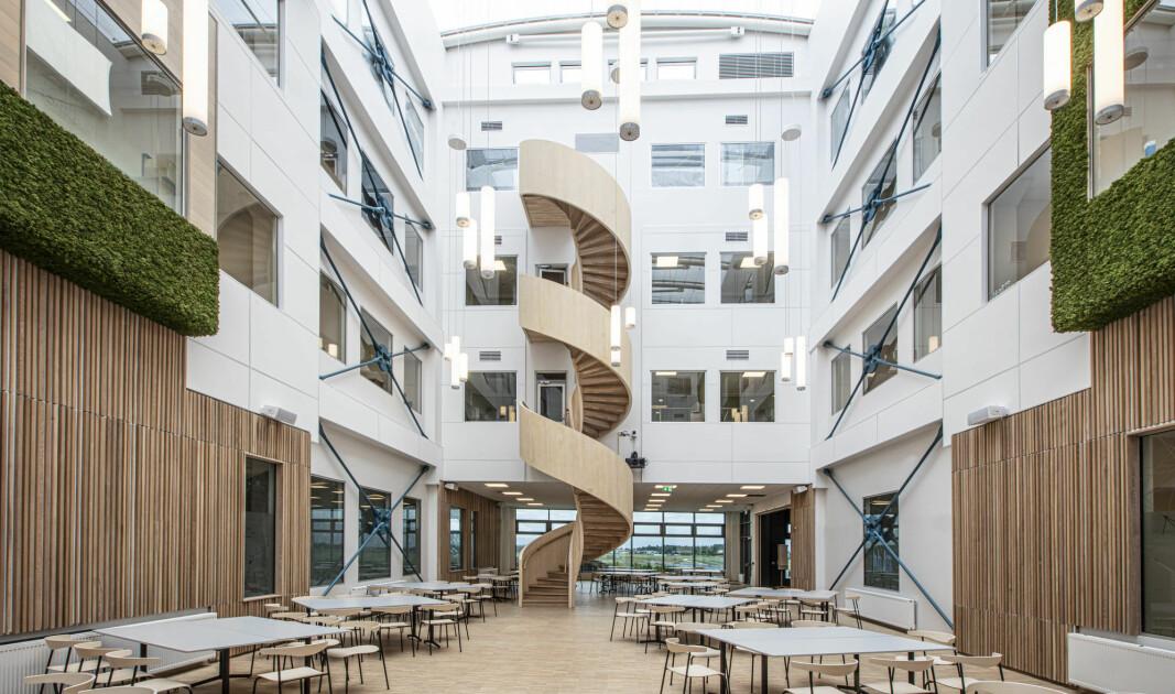 Vinnertrappa er en del av Jotron AS sitt nye hovedkontor på Ringdalsskogen i Larvik.