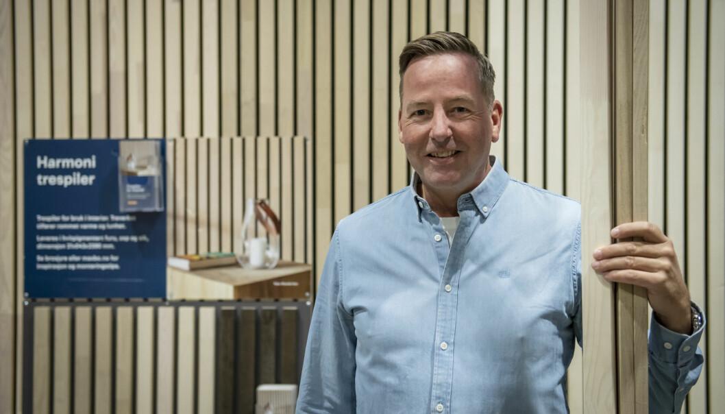 Rune Kjølberg, kategorisjef for trelast i Maxbo, er positivt overrasket over den store interessen for trespiler.
